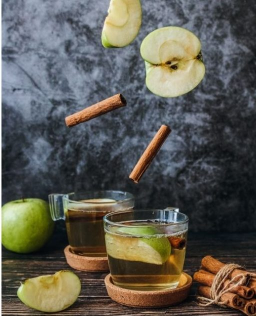 simple spiced cider with apples and cinnamon